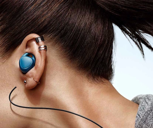 Samsung Gear IconX Wireless Earbuds 03